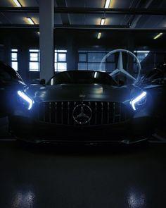 """4,035 Beğenme, 14 Yorum - Instagram'da Mercedes-Benz Berlin (@mercedesbenzberlin): """"The beast awakens. Nicht ganz so stille Nächte stehen bevor. #MBBerlin #MBBeasts . [@mercedesamg…"""" Mercedes Amg, The Beast, Merc Benz, Top Cars, Performance Cars, Modified Cars, Car Wallpapers, Amazing Cars, Fast Cars"""