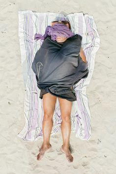 Tadao Cern is a Lithuanian architect turned photographer. His series Comfort Zone documents a variety of people asleep on the beach – a moment of relaxed vulnerability outside of usual social limitations. Cindy Crawford, Photo Ciel, Confort Zone, People Sleeping, Science Gifts, Martin Parr, Photography Series, Pose, Photo Projects