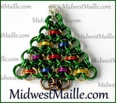 Win this Chain Maille Christmas Pendant! Chainmaille, Xmas Tree, Projects To Try, Christmas Ornaments, Pendant, Holiday Decor, Fun Things, Holidays, Jewelry