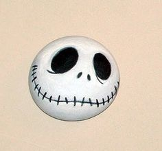 painted rock --> Jack Skellington (Tim Burton) More