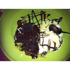 Applebee's triple chocolate desert!