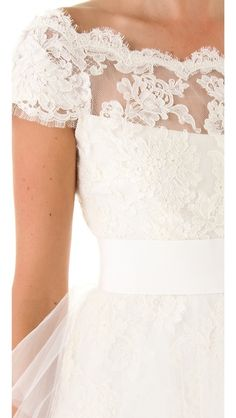 gorgeous lace + tulle...