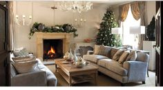 Christmas house: a Jacobean hunting lodge restored Cosy Christmas, Magical Christmas, Christmas Home, Christmas Ideas, Country Cottage Interiors, Cottage Style, Farmhouse Style, Period Living, English Country Cottages