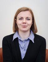 Anna Leszczyńska-Kurzawa - psycholożka, posiadająca certyfikat psychoterapeutki poznawczo-behawioralnej. Głównie specjalizuje się psychoterapii indywidualnej dorosłych w nurcie poznawczo-behawioralnym, choć czerpie także z podejścia systemowego oraz Gestalt. Więcej informacji na stronie internetowej: http://psychiatrzy.pl/.
