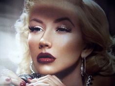 hollywood glamour-probably would do the eyes with a soft, shimmery beige like stila kitten, love the lips