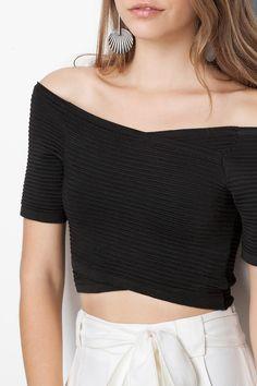 blusa cropped transpassada | Dress to