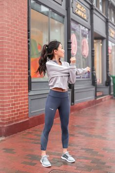 petite women gym clothing // capri running leggings + cropped workout jacket
