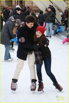 Bailee Madison & Rhys Matthew Bond Go Ice Skating in Toronto - See The Cute Pics! | bailee madison rhys matthew bond skating toronto 03 - Photo