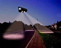 """Witness Watches Large Silent Triangle UFO Hover Above Trees For 10 Minutes - Upstate NY 