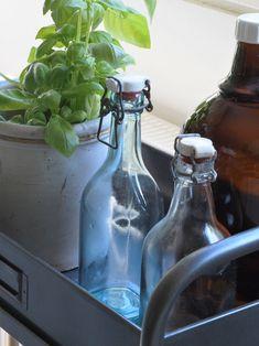 Cozy kitchen and vintage bottles. Antique Decor, Vintage Antiques, Cozy Kitchen, Vintage Bottles, Cozy House, Vintage Kitchen, Glass Vase, Home Decor, Old Fashioned Decor