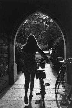 On the Campus of Princeton University 1969 Photo:  Alfred Eisenstaedt