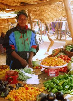 vegetable vendor, Gorom-Gorom, Burkina Faso.  Photo: Keith Smith, via Flickr
