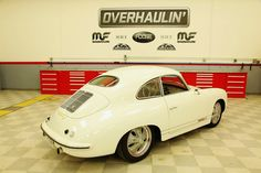 Chip Foose Overhaulin - Porsche 356 S Beautiful interpretation and I love how he added an oval rear window from a VW beetle. Great custom wheel design as well. Porsche 356, Porsche Cars, Chip Foose, Custom Wheels, Custom Cars, Porsche Models, Vintage Porsche, Vintage Race Car, Porsche Design