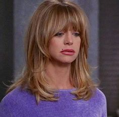 How To Get Goldie Hawn Hairstyle Hair Color Pictures are available on this page with long blonde bangs side swept bangs dating hairstyle with uniqu Layered Hair With Bangs, Long Hair With Bangs, Wavy Hair, Layered Hairstyle, Koleston, Medium Hair Styles, Curly Hair Styles, Hair Color Pictures, Corte Y Color