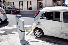Paris : 60 nouvelles bornes de recharge début 2015 #mobilite #voiture #electrique #transport