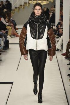 Tod's ready-to-wear autumn/winter '17/'18 - Vogue Australia