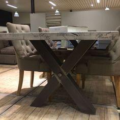 Stoere tafels die je zelf kan samenstellen: grootte, kleur en poten // interieurinspiratie