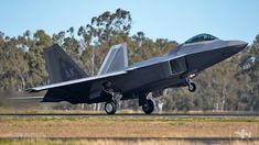 Airforce Raptors from the Fighter Squadron partake in Talisman Sabre Jaryd Stock reports. Fighter Pilot, Fighter Aircraft, Fighter Jets, Navy Training, Air Show, Warfare, Air Force, Aviation, F22