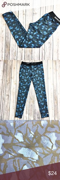"Soffee Workout Legging Soffee low rise Workout legging in an all over blue/black print.  In excellent condition with no piling.  Measurements laid flat: waist 13.75"", hip 15.25"", and inseam 26"".  These fit me like pants due to me being 5'0 so these possibly will fit more like a Capri or cigarette style. Sofft Pants Leggings"
