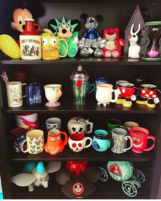 20 Best Disney Home Design - decorisme From the instant you open the door you will feel as if you've stepped back in time Disney Cups, Disney Diy, Disney Crafts, Disney Magic, Disney Stuff, Home Design, Collection Disney, Disney Bedrooms, Disney Stores