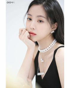 Pearl Necklace, Korean, Actresses, Pearls, Cover, Jewelry, Fashion, String Of Pearls, Female Actresses