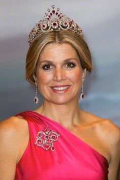 Queen Maxima pose for an official picture before the state banquet at Rideau Hall in Ottawa, Canada, 27 May 2015.