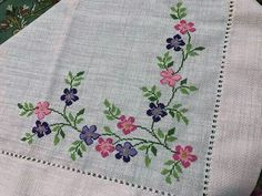 This post was discovered by Gamze Aybirdi. Discover (and save!) your own Posts on Unirazi. Cross Stitch Heart, Cross Stitch Borders, Cross Stitch Flowers, Cross Stitch Designs, Cross Stitch Patterns, Hand Embroidery Designs, Embroidery Patterns, Free To Use Images, Bargello