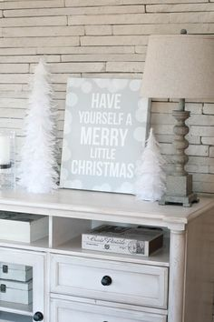 FREE Designs! Holiday Home Decorating with @Shutterfly :: The TomKat Studio #shutterflydecor