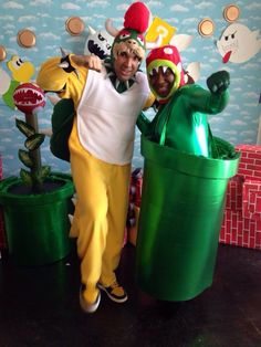 King koopa costume and piranha plant costume -super mario King Koopa Costume, Super Mario Party, 6th Birthday Parties, Mario Bros, Party Planning, Halloween Costumes, Nerdy, Halloween Outfits