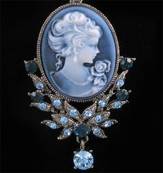 Lovely blue Cameo drop/brooch.