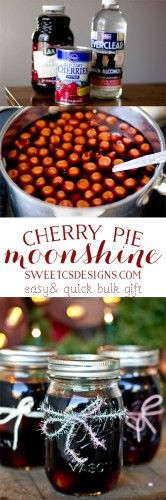 awesome last minute gift idea for a group- cherry pie moonshine! Easy and inexpe… fantastic last minute gift idea for a group cherry pie moonlight! Snacks Für Party, Party Drinks, Cocktail Drinks, Fun Drinks, Yummy Drinks, Cocktail Recipes, Alcoholic Drinks, Summer Cocktails, Liquor Drinks
