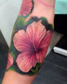 Jose Gonzalez - Close up of realistic Hibiscus flower, part of an Hawaiian inspired sleeve