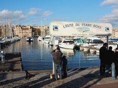 Ligne du ferry boat - Marseille — Wikipédia Provence, Ferry Boat, Ville France, Rhone, Times Square, Street View, Place, Travel, Alps