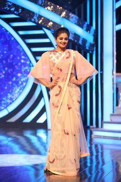 Priyamani in floral pastel saree with cape blouse. #PRANAAH