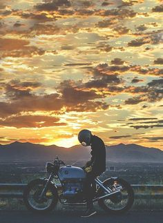 Bikes are therapy. Whenever i have a rough day i go for a long ride and burn it - Biker photoshoot - Motorrad Bmw Cafe Racer, Cafe Racers, Harley Davidson, Map Old, Art Moto, Biker Photoshoot, Motorcycle Photography, Its A Mans World, Motorcycle Style