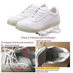 Une Paire de Chaussure LED Lumineux 7 Changements de Couleur Réglable Rechargeable avec USB Prise Unisexe Décoration pour Soirée,Spo