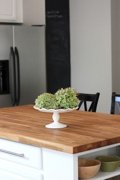 This layout would work in my kitchen, and I love the butcher block island