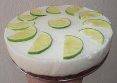 Sütés nélküli lime-os torta Hűsítő nyári paleo torta - és még a sütőt sem kell bekapcsolni hozzá: sütés nélküli lime-os torta Julikától Gluténmentes, tejmentes, hozzáadott cukormentes sütés nélküli paleo torta recept: Tésztához: 100 g Szafi Fitt paleo süteményliszt(paleo sütemén Lime, Honeydew, Paleo, Fruit, Food, Limes, Essen, Beach Wrap, Meals