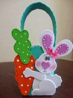 Que tal essas ideias para a páscoa? Pedagogia Brasil selecionou algumas imagens encontradas na página do Facebook Clube da Educação Infanti... Kids Crafts, Foam Crafts, Easter Crafts, Holiday Crafts, Diy And Crafts, Box Surprise, Dollar Tree Decor, Felt Baby, Mason Jar Gifts