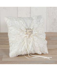 #Cojín para anillos con tela, puntillas y broche para detalle de #boda