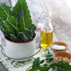 Spicy Smoky Kale Chips Recipe with kale, olive oil, salt, chili flakes, pepper, paprika