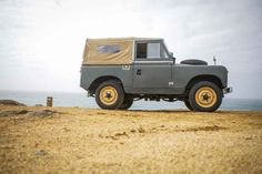 This Land Rover Series IIA = Perfect Adventuremobile - Airows