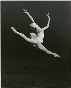 136 Best Ballet, Black   White Photographs images in 2019   Ballet ... c811012eb7