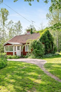 Swedish Cottage, Red Cottage, Cabana, Windsor House, Sweden House, Red Houses, Storybook Homes, Summer Cabins, Cute House