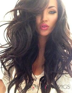 loveeee her hair. I always think & bitch.& to myself when i see someone with GORGEOUS hair like this; i miss my long hair! Love Hair, Great Hair, Big Hair, Gorgeous Hair, Gorgeous Makeup, Dead Gorgeous, Pretty Makeup, Hello Gorgeous, Hair Dos