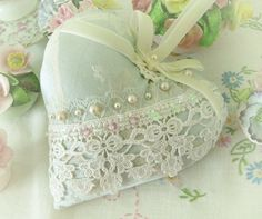 Heart Pillow 6 X 6 Door Hanger Aqua Damask  por CharlotteStyle