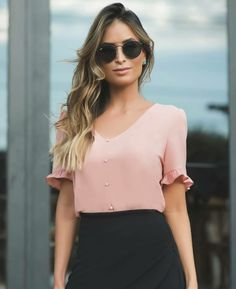 38 best spring blouses & tops to upgrade your look 23 – JANDAJOSS. Cool Outfits, Casual Outfits, Fashion Outfits, Womens Fashion, Spring Blouses, Blouse Styles, Casual Looks, Work Wear, Clothes For Women