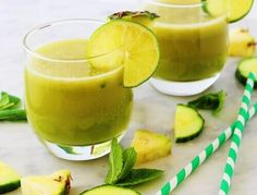 Have you tried several Pineapple detox drinks that didnt work for you? I have listed 7 pineapple detox drink for weight loss that is easy to make. Smoothie Fruit, Smoothie Detox, Smoothie Recipes, Cleanse Recipes, Healthy Detox, Healthy Drinks, Healthy Water, Healthy Weight, Get Healthy