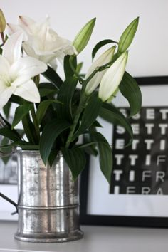 homevialaura | antique silver flower vase | white lilies | home details