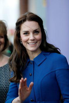 Kate Middleton Photos Photos - Catherine, Duchess of Cambridge visits a Child Bereavement UK Centre at CBUK Stratford on January 11, 2017 in London, England. - The Duke & Duchess Of Cambridge Visit A Child Bereavement UK Centre
